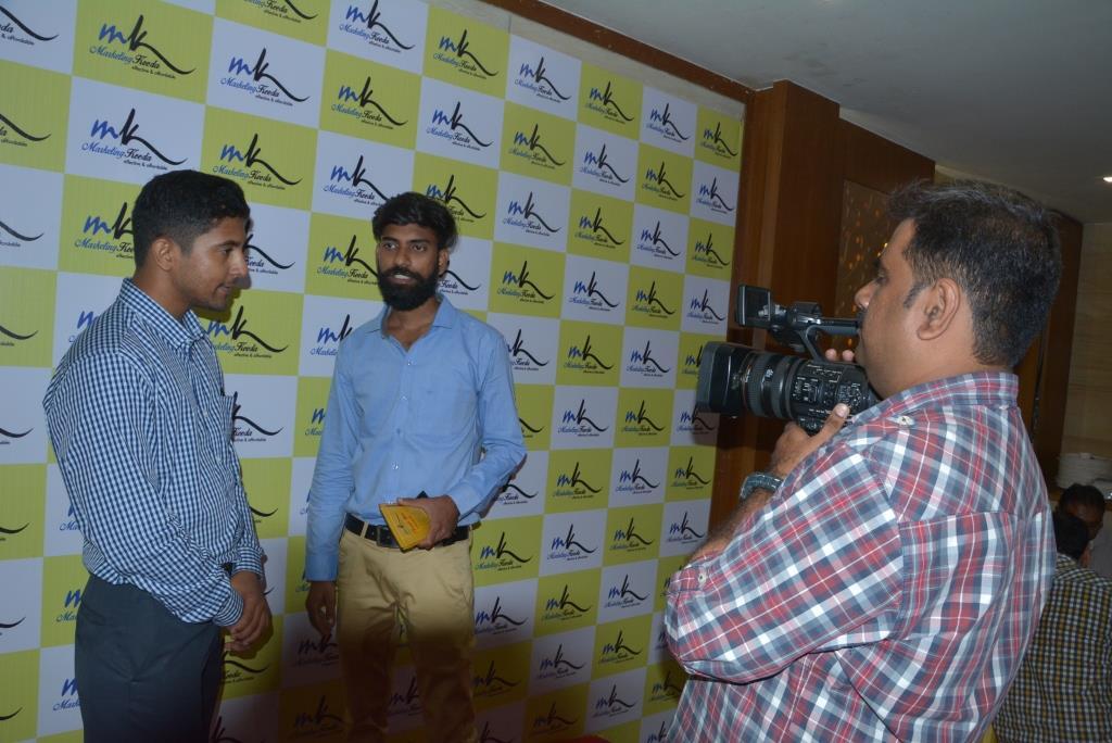 Marketing-Keeda-Deepak-VSERVE-solutions-interview-award