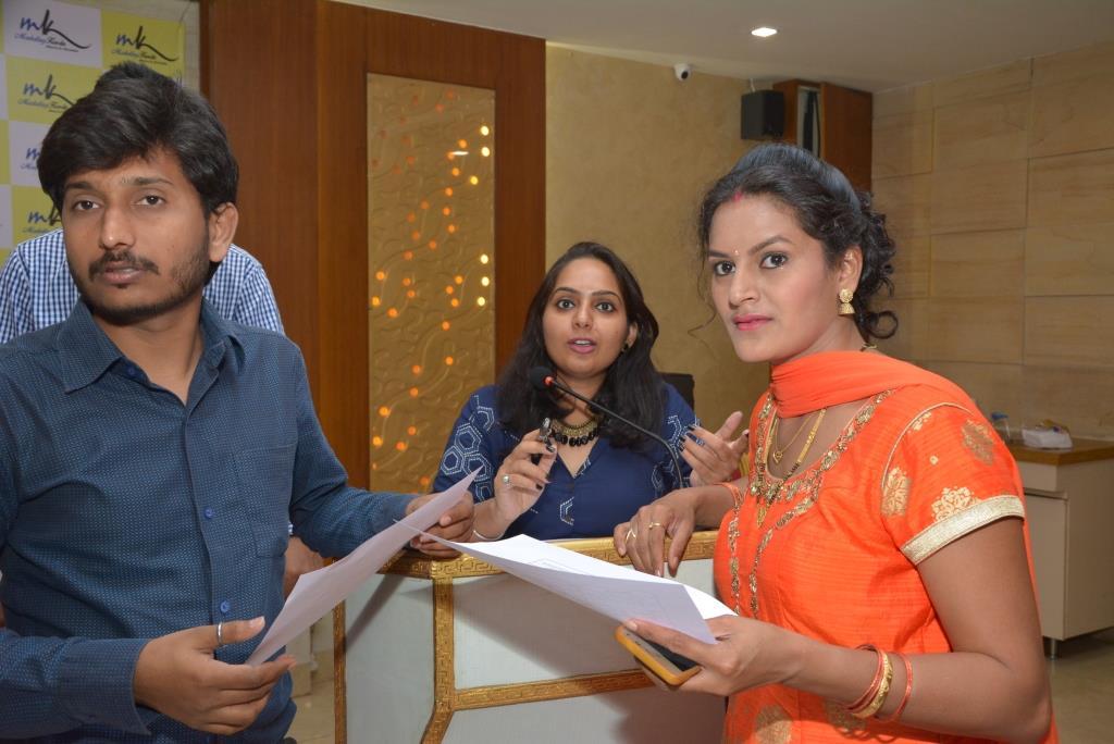 Marketing-Keeda-Team-Lokesh-Patil-Rupali-Singh-Dipali-Salian-Award-Client-Appreciation